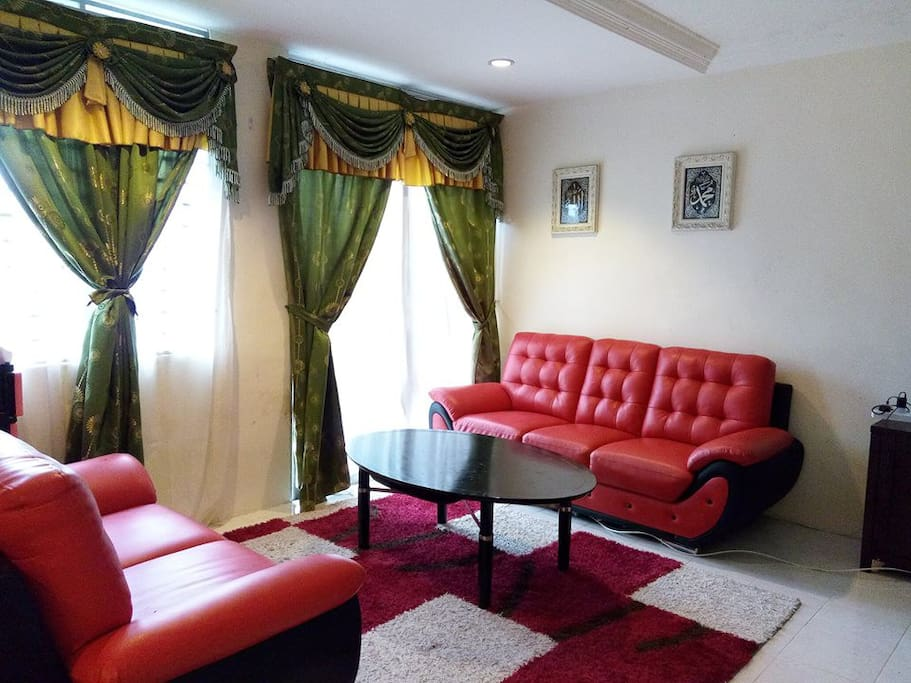 pulau pinang chat rooms Penang 槟城(malay: pulau pinang) is an island-state off the northwestern coast   2008, georgetown and malacca were listed as unesco world heritage sites   along penang road in the evening, chit chat with friends, while watching the .