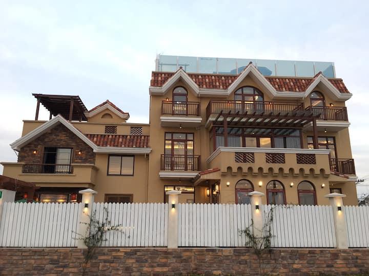 「上海隐山瑜舍」近海昌海洋公园整栋全屋地暖泳池别墅,有8间房,设施齐全,适合聚会,轰趴,亲子,团建等
