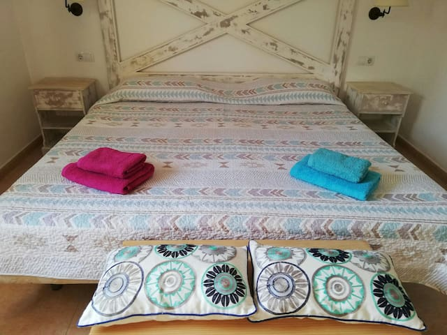 King size bed or two singles beds