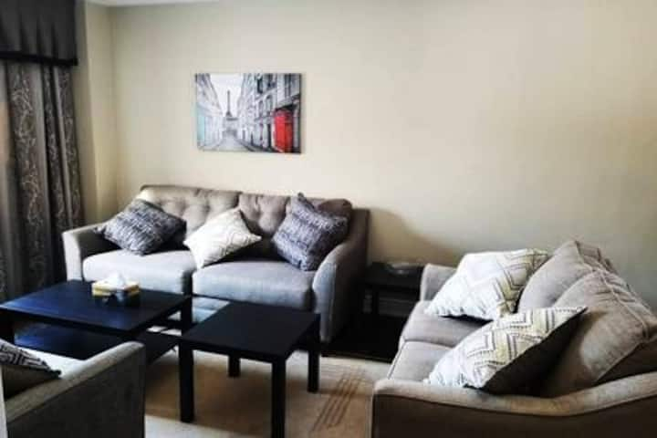 Fabulous 4 bdrm House near Lakes, Beaches, Resorts
