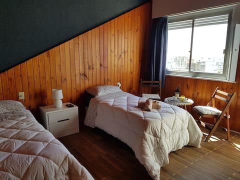 Vista dela ciudad 2 camas en su Av. Princ Aire Ac.