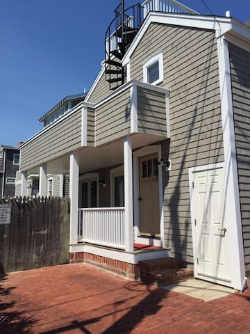 Downtown Oak Bluffs, Harbor house, 2nd floor apt.