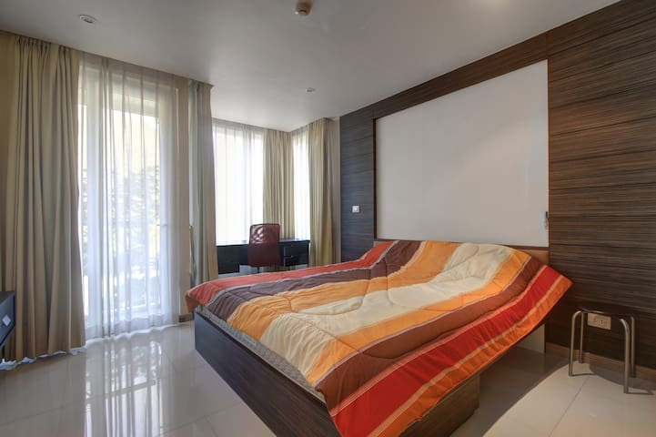 2-bedroom, 1-bathroom apartment! - Patong, Kalim Beach - Apartment