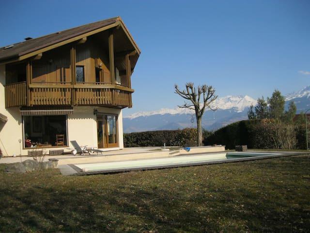 Villa tout confort au calme et sans vis à vis - Saint-Ismier - Hus