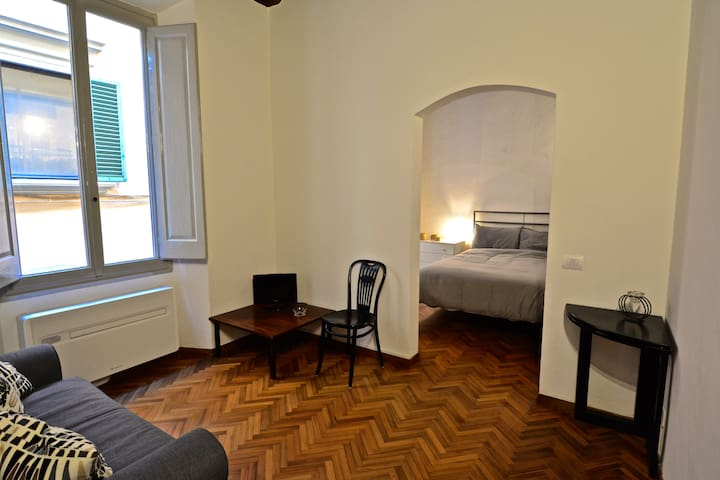 Apartment in the very center of Florence - Florens - Lägenhet