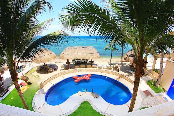 Beach! Views! Pool! HGTV condo! Lol Ka'naab 5