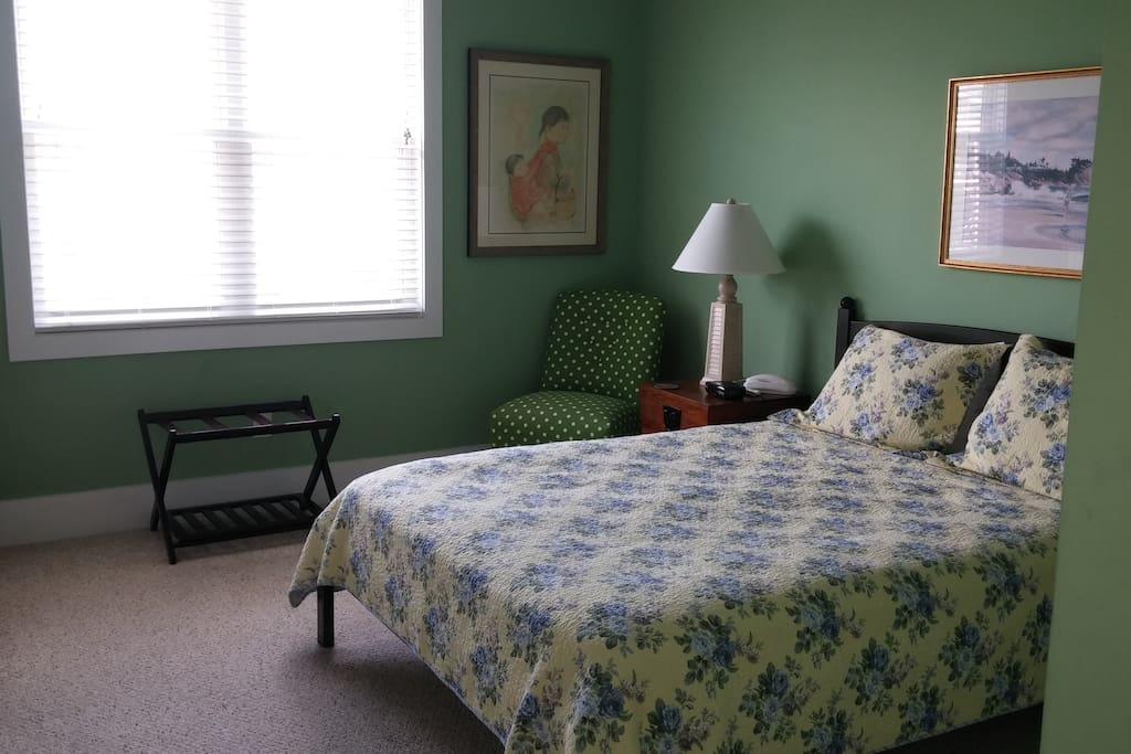 Green Room with Queen bed and attached private accessible bathrooom