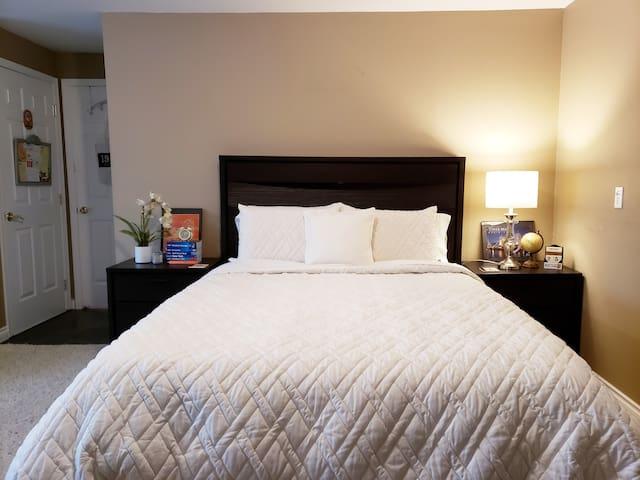 Bright & Spacious - Private Basement Suite