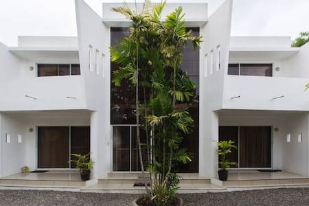 D&G @ Alona Beach 3. Furnished Unit. - Panglao - Lejlighed