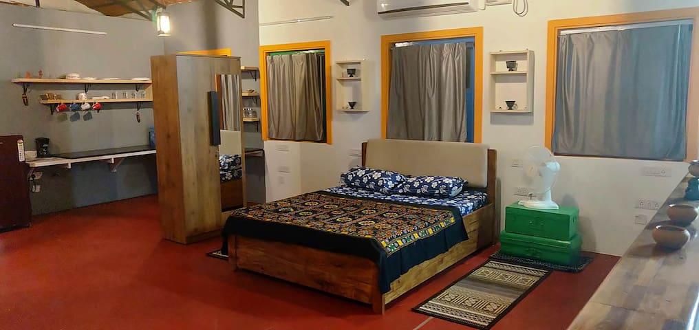 2 Bed Studio   Dogs for Company  North Bangalore
