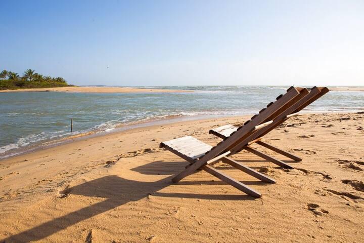 Casa com piscina exclusiva na orla de Porto Seguro