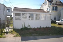 Baby Love Shack - so close to the beach, and all the fun of Salisbury