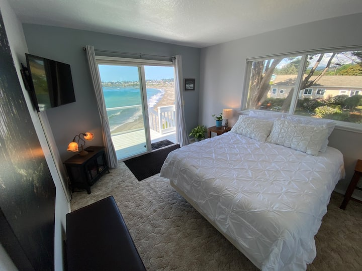 Oceanfront Cliffside Master Suite at The Sea Ranch