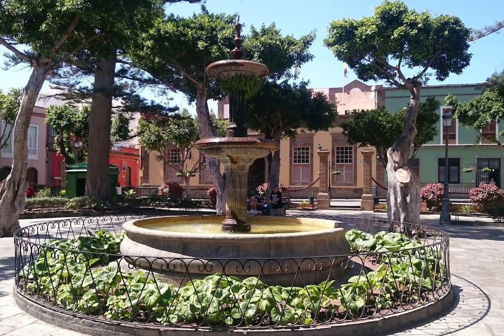 la plaza principal de Galdar