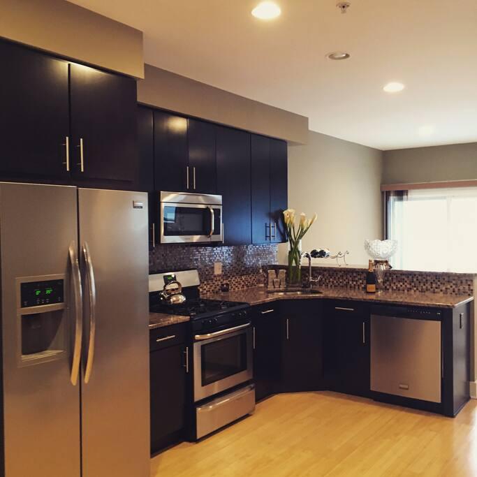 Main Floor - Kitchen