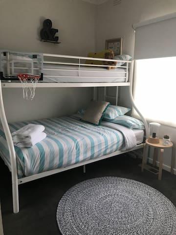 3rd Bedroom 1x double 1x Single