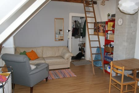 35 m2 right by the lakes! - Huoneisto