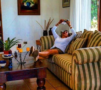 Great location nice placed perfect! - Managua - Bed & Breakfast