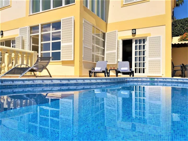 Anna's Ocean Villa
