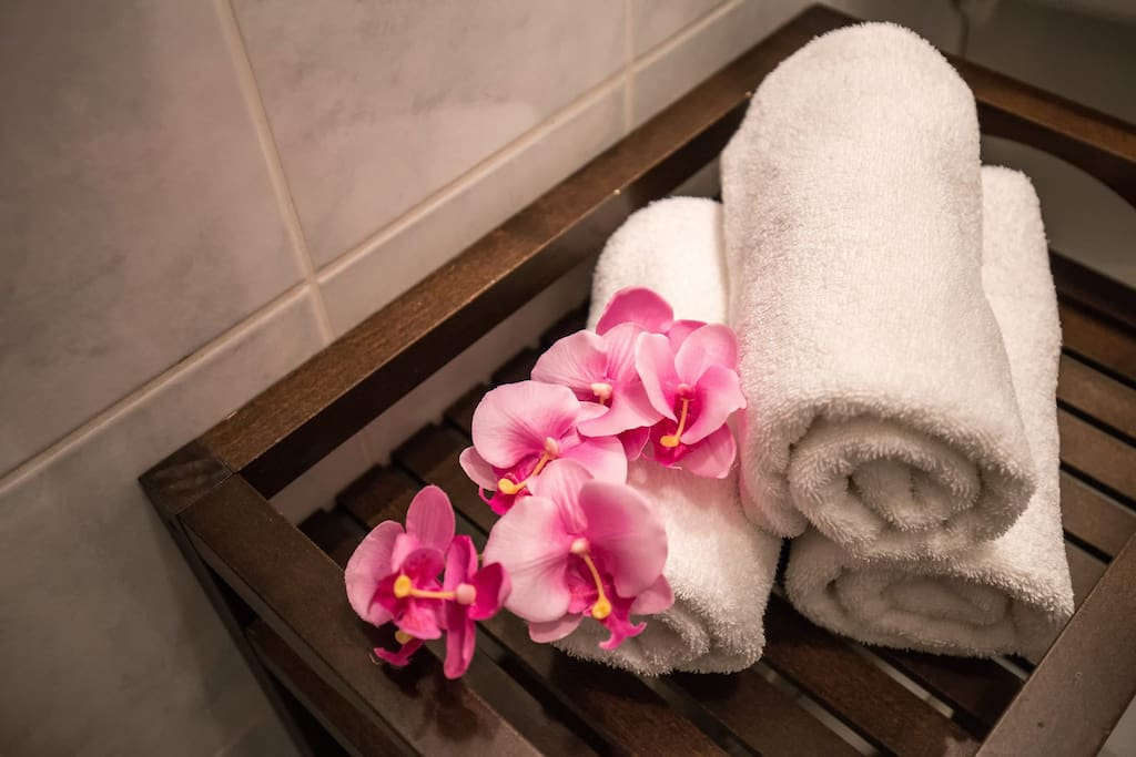 Clean towels available