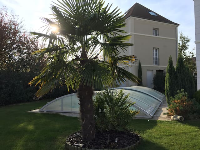Koechi, apartment rated 3 *** close to Disneyland - Magny-le-Hongre - Byt