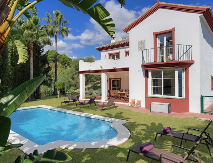 Luxury secluded villa Calahonda Marbella