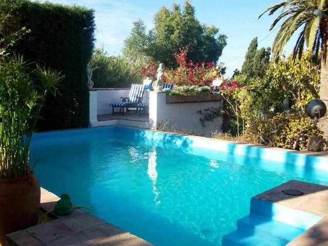 Quiet and idyllic complex with small swimming pool (Margarita)