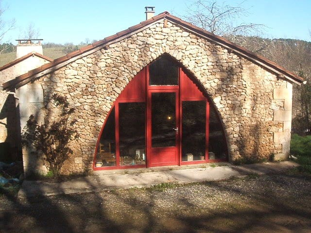 La maison avec l'arche en ogive - Manzac-sur-Vern - Huis