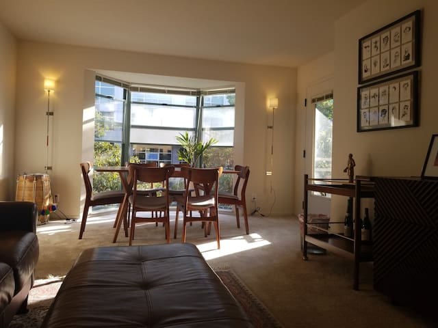 Spacious Airy Room with Private Bath (2br/2ba)
