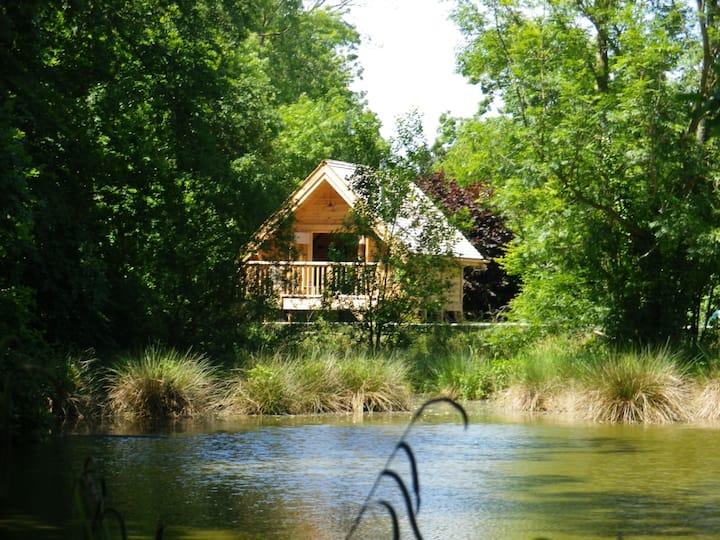 La Cabane de la Caroline, dans un clos Normand.