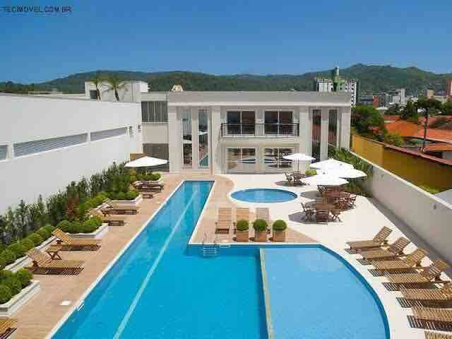 Apto 3 quartos, condomínio com piscina e academia