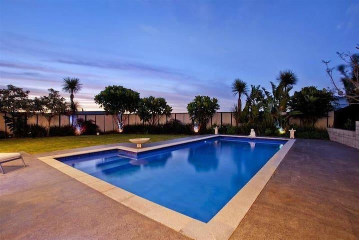 Luxury Family 4-Bedroom Designer Home