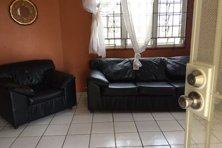 M's Place - close to airport & close  to town
