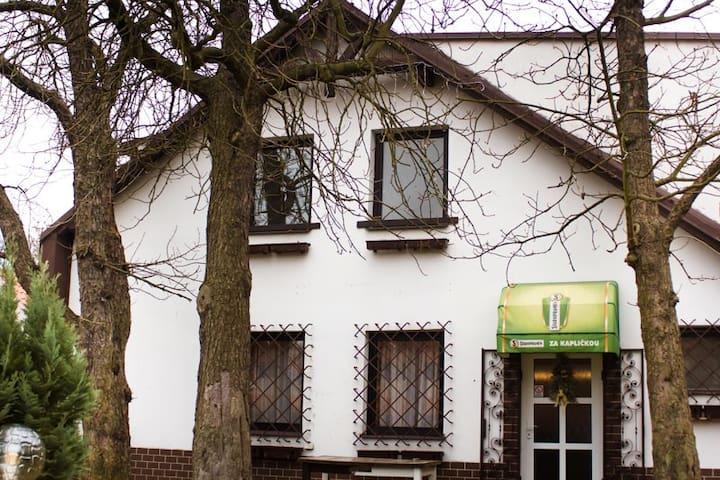 Guest House BoB - Praga - Bed & Breakfast