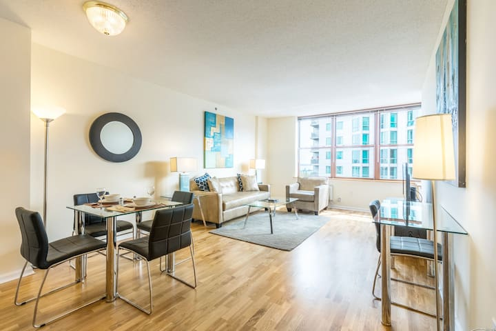 Large 1B | Ideal for Travelers + Near NYC | by GLS