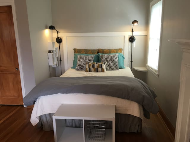 Studio B: Charming & Private, for 2 - Winston-Salem - Byt