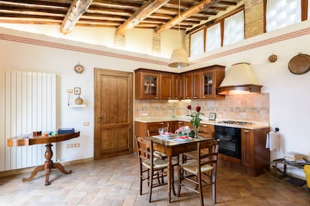 Nice and pretty romantic two-room apartment Siena