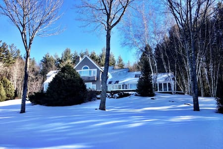 PERFECT Family Vacation Home - Skiers Choice - Londonderry