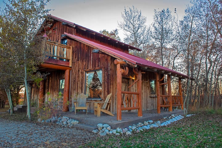 Rustic Northern Nook Cabin with Teton Views