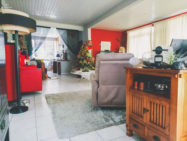 Fare Nahina, Pape'ete, Chambre privée, Café