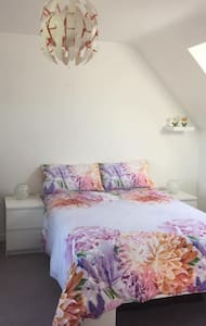 Room: Beautiful Bright - bed