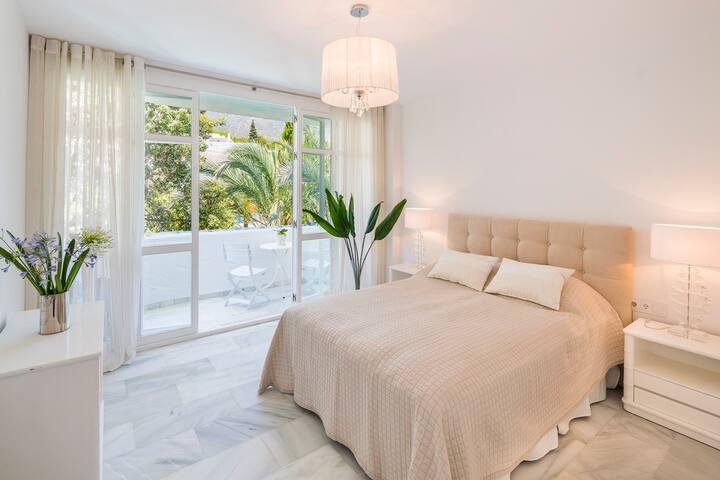 Marbella Real 2 Bedroom Seaside