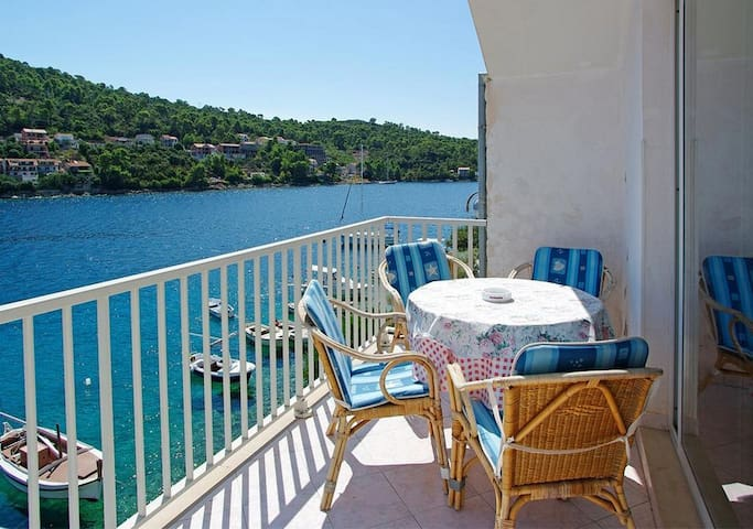 Apartments Tomašić - Two Bedroom Apartment with Terrace and Sea View (Marija)