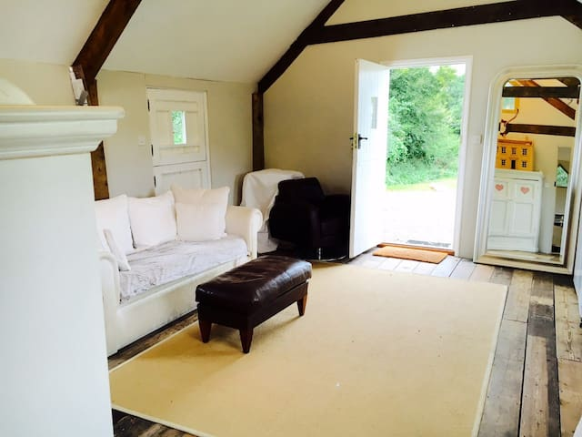 Stylish cabin in the heart of South Devon country - Avonwick - Stuga