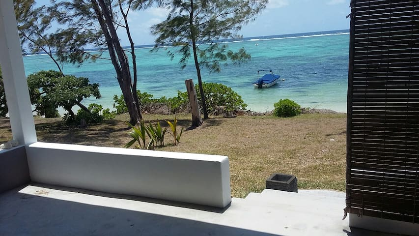 villa badamier beach house - Quatre Cocos