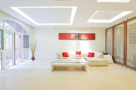 Spacious Centrally Located 260sqm apartment