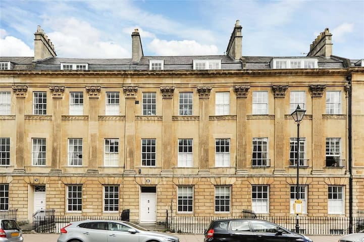 Hideaway in great location in central Bath