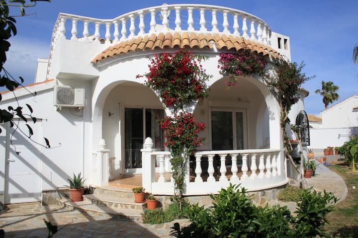 Villa with private pool in Orihuela Costa