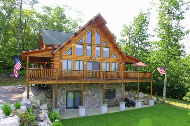 Luxury Log Cabin in Conway Mount Washington Views