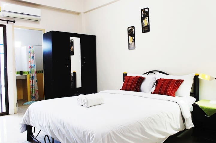 Old City Hotel [ Superior Room ] @ Nimman Road,